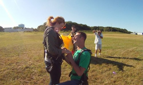 Ultimate Anniversary Adventure Idea: Couple Skydiving
